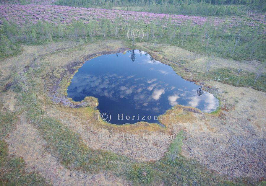 ilmakuva lampi kuusamossa