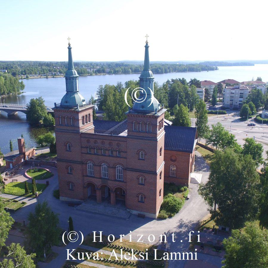 drone kuva kirkko